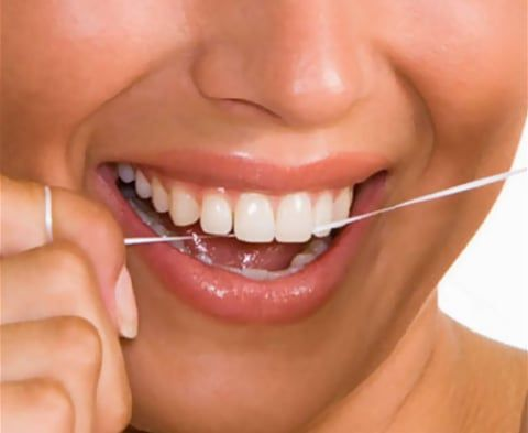 How do I use dental floss?